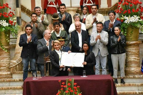 Revolución y contrarrevolución en Bolivia. Los dirigentes del MAS pactan con el gobierno golpista y sabotean la insurrección de las masas
