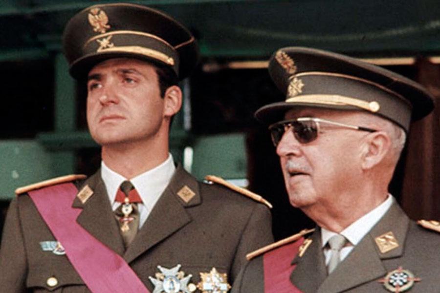 Juan Carlos I huye con el botín: es la hora de barrer a la monarquía impuesta por el franquismo