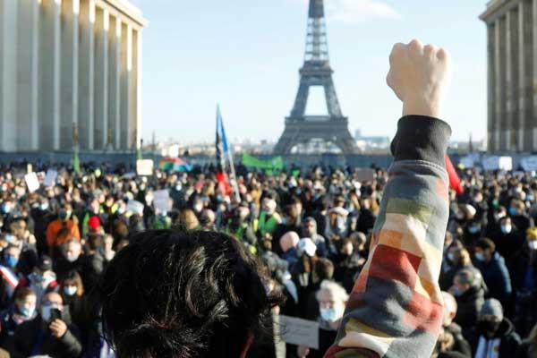 Movilizaciones masivas contra la Ley Mordaza en Francia