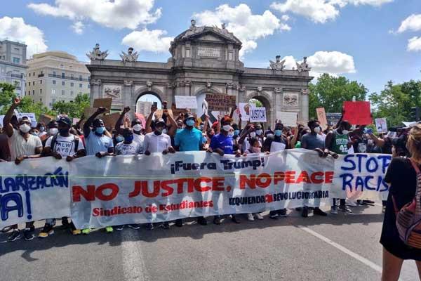No justice no peace! Multitudinarias movilizaciones contra la violencia policial racista y el fascismo en el Estado español