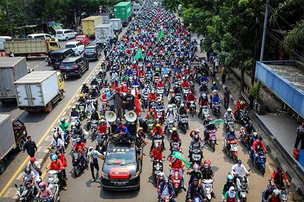 Rebelión obrera en Indonesia contra la nueva ley laboral del Gobierno