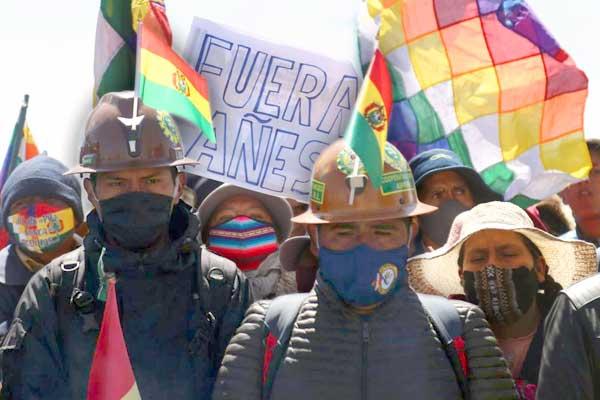 Victoria aplastante del MAS en Bolivia
