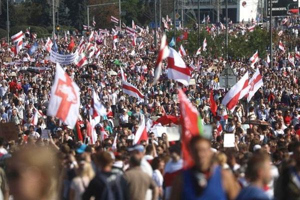 Bielorrusia: El régimen de Lukashenko contra las cuerdas
