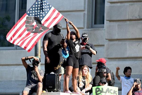 A dos meses de las elecciones presidenciales, una intensa lucha de clases sacude los EEUU