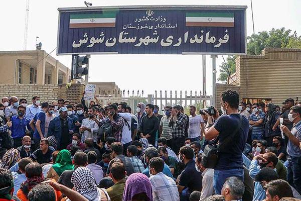 Una oleada de huelgas recorre Irán