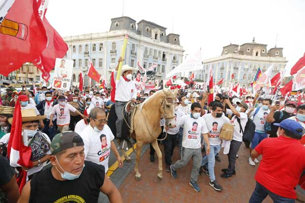Primera vuelta electoral en Perú. La inesperada victoria de Castillo, un golpe a la oligarquía