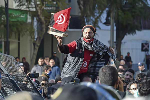 En el décimo aniversario de la Primavera Árabe la lucha continúa
