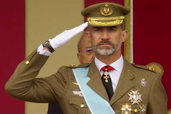 A 40 años del 23-F nos siguen tomando por idiotas. ¡Felipe VI reivindica a su padre y éste regulariza una parte del botín robado!