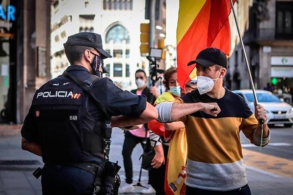 200 nazis se manifiestan amenazando al colectivo LGTBI por Chueca con total impunidad