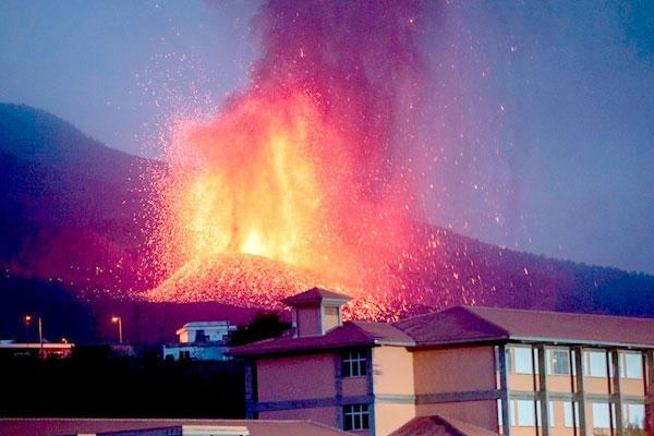 El estallido del volcán en La Palma pone en evidencia la falta de previsión y desidia de Gobiernos y administraciones