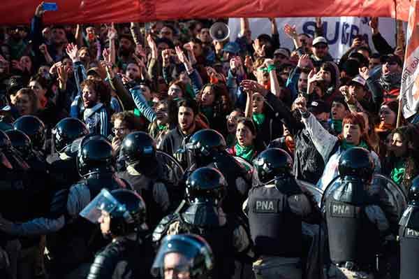 Argentina paralizada por la huelga general ¡Abajo el Gobierno Macri!