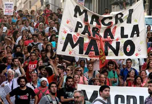 Argentina: estudiantes y profesores se rebelan contra Macri