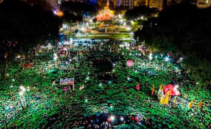 Argentina: centenares de miles de mujeres en las calles consiguen la primera gran victoria para la despenalización del aborto