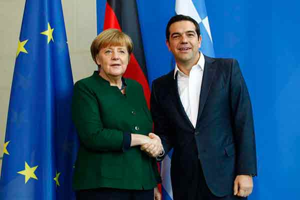 ¿Fin del rescate en Grecia? Más allá de la propaganda, los recortes y la crisis continúan