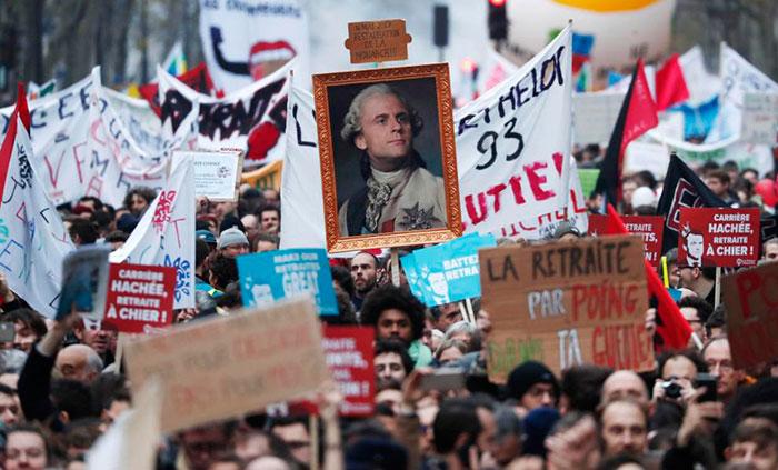 La rebel·lió de la classe obrera a França continua. Les vagues s'estenen a les refineries en unes setmanes decisives