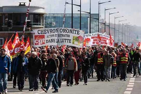 Protesta de trabajadores contra la reforma laboral