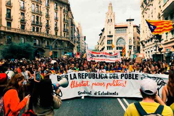 Catalunya: La huelga estudiantil del 1 de Octubre ha sido un éxito arrollador