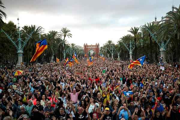 La movilización desborda Catalunya un año después del 1-O