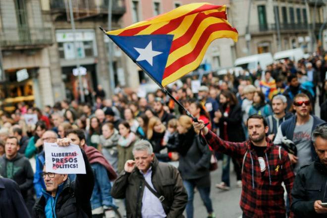 Catalunya ¡El pueblo en lucha derrota a la derecha españolista!